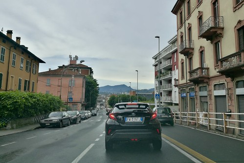 Italy 2019 – Waiting for the Swiss border at Como