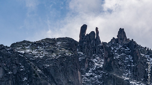 Dente, Fiamma (mit Kletterer!) und Spazzacaldeira von Pranzeira aus gesehen (Bergell, Graubünden) (10/09/2019 -11)