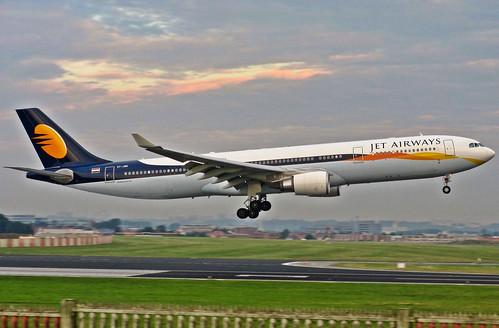 VT-JWR Jet Airways Airbus A330-200 - Brussel 27-8-2013