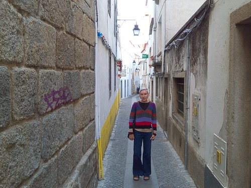 Walking around the narrow residential laneways of Evora