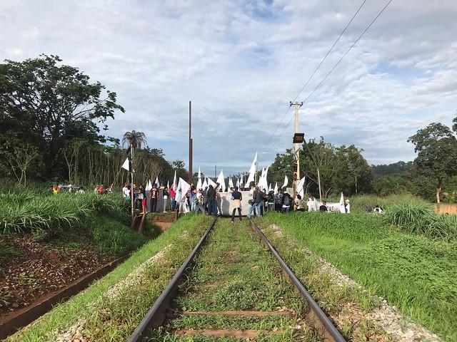 A ação éorganizada pelo Movimento dos Atingidos por Barragens (MAB) ecobra justiça e a devida reparação dos danos causados pela Vale - Créditos: Divulgação/MAB