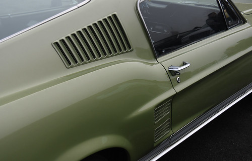 Ford Mustang Fast Back // BY-292-JH