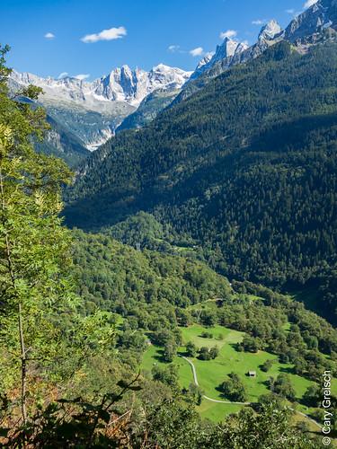 Das Bergell von Motta Pita (oberhalb von Castasegna) aus gesehen (12/09/2019 -09)