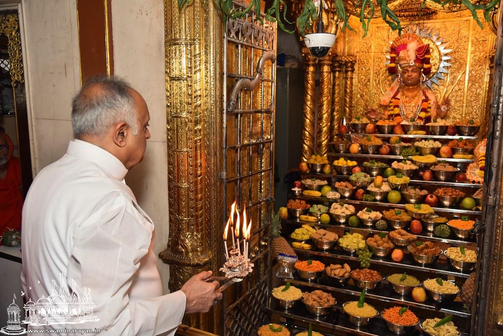 Rang Mahol Ghanshyam Maharaj Patotsav - Kalupur