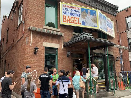 Famous L'Original Fairmont Bagel, Fairmont Ouest, Mile End