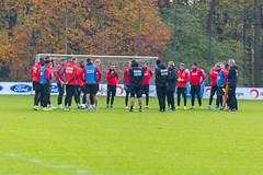 Teamkreis und Anfangsbesprechung von Markus Gisdol, dem neuen Trainer des 1.FC Köln