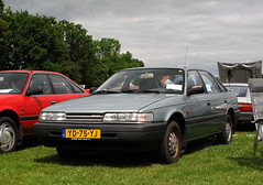 1990 Mazda 626 hatchback 1.8 LX Finish