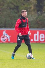 Birger Verstraete am Ball mit viel Übersicht im Training
