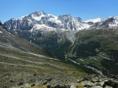 Pigne d'Arolla, Mont Blanc de Cheillon (poking up from behind centre) above the ski slopes of Arolla