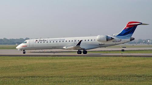 Comair (Delta Connection) Bombardier CRJ-701ER (CL-600-2C10) N371CA