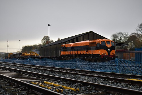 071 with 'Relay Train'