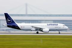 Lufthansa Airbus A320 taking off in Munich Airport,  D-AIZD