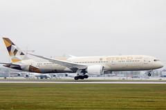 Etihad Airways Boeing B787-9 Dreamliner landing at Munich Airport