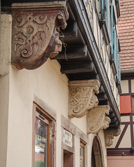 Les mascarons d'encorbellement - Photo of Meistratzheim