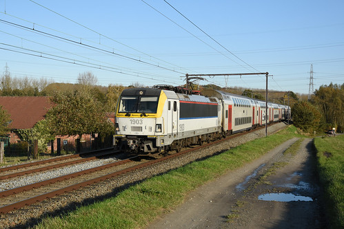 HLE 1903 + IC to Gent, Dilbeek, 10/11/2019