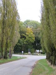 Aveluy: Crucifix Corner (Somme) - Photo of Hébuterne