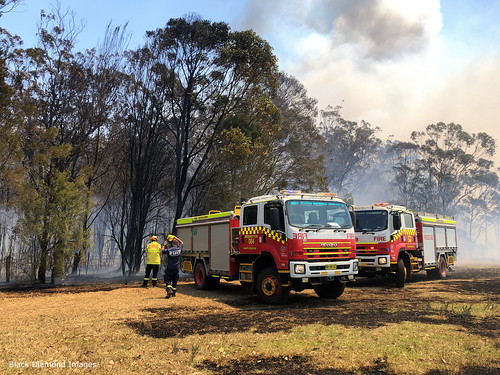 13:19pm 13th November 2019 - Macquarie Fields  and Kiama Fire Brigades, The Fire Front Now Under Control - Timbertops Estate, Darawank, NSW