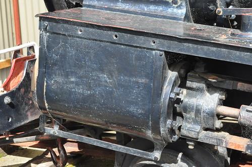 D 170's left cylinder