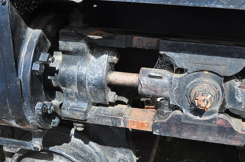 D 170's crosshead bar