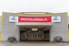 """Eingang der Konzerthalle """"Westfalenhalle"""" in Dortmund"""