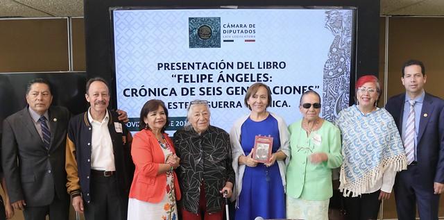07/11/2019 Presentación de libro. Dip. Lidia García Anaya