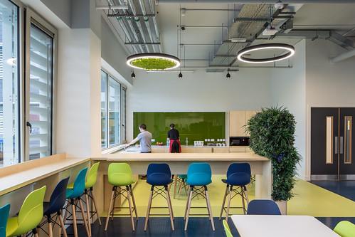 Johnson & Johnson Vision Care _ van Dijk Architects_ Limerick _ 2019 _ Canteen