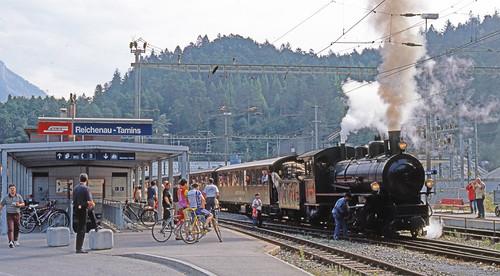R11652 . RhB 107 at Reichenau-Tamins.