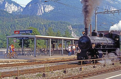 R11655.  RhB 107 at Reichenau-Tamins.