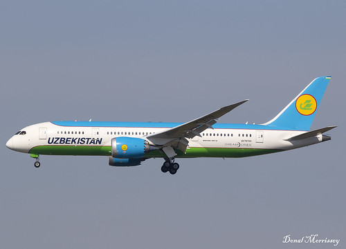 Uzbekistan Airways 787-8 UK78703