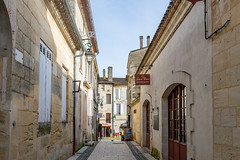 43375-Saint-Emilion - Photo of Branne