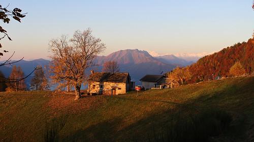 Bergweiler Monti della Gana mit Blick zum Monte Gridone und zum Monte Rosa