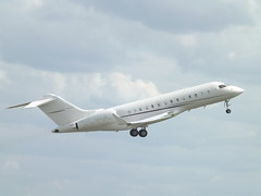 CS-LAM Bombardier Global 5000-BD-700-1A11 (Executive Jet Management Europe)