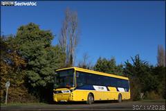 Irisbus Arès – Voyages Quérard (Groupe Fast, Financière Atlantique de Services et de Transports) / Lila Scolaire (Lignes Intérieures de Loire-Atlantique)