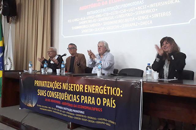 Debate 'Privatizações no setor energético: suas consequências para o país' ocorreu na UFRGS - Créditos: Foto: Wálmaro Paz