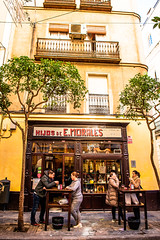 Enjoying food and wine in Seville, local style