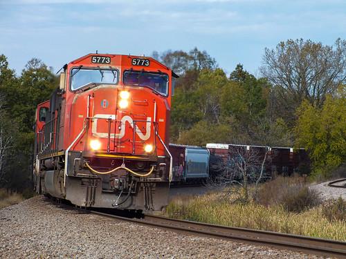 CN 5773 at Slinger Road