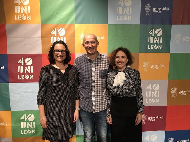 Pilar Marqués, Santiago Fernández y Elena Fernández profesores de Enfermería
