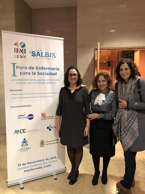 Pilar, Elena y profesora Cristina Liébana