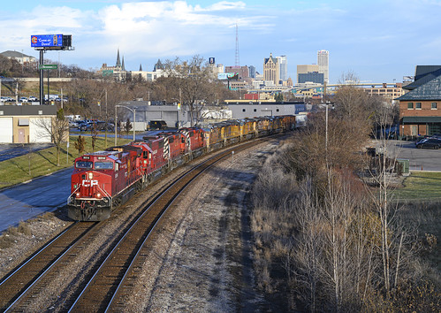 CP 8014 leads 281 westbound out of Milwaukee, WI