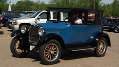 1925 Hupmobile Three Door Sedan