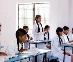 Schülerinnen in Varanasi, Light of Love