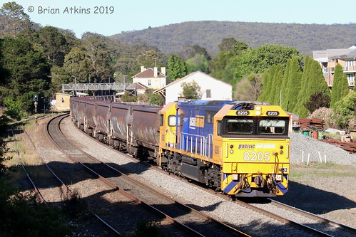 IMG_0108 8205 Train 8116 8212 Mittagong TM71 4.12.19_1