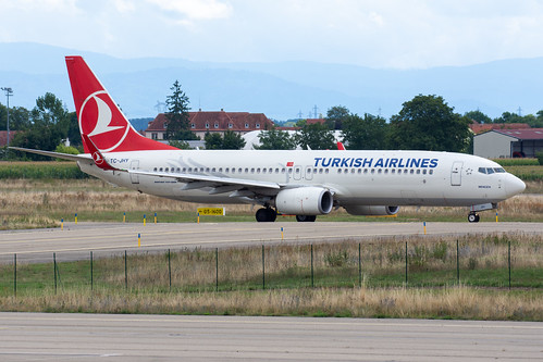 Turkish Airlines 737-8F2 TC-JHY