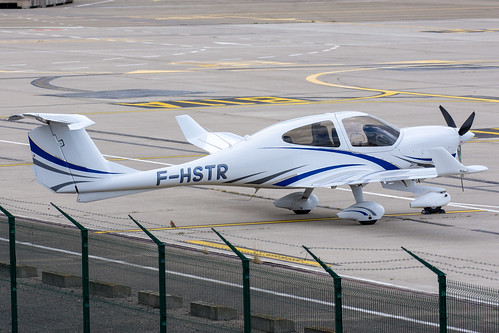 European Aero Training Institute Strasbourg Diamond DA40 F-HSTR