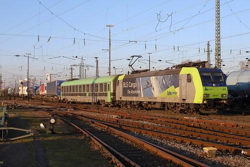 BLS Cargo Re 485 011-1 RoLa, Basel Bad Bhf