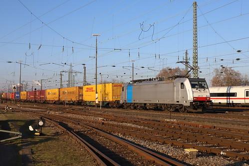 LINEAS 186 452-9 Containerzug, Basel Bad Bhf