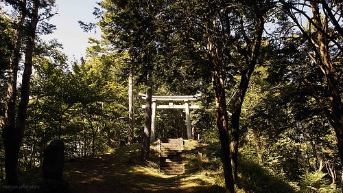 Ontake Shrine on the Nakasendo trail in the Kiso Valley (Japan) between Yabuhara and Narai via Torii Pass #11