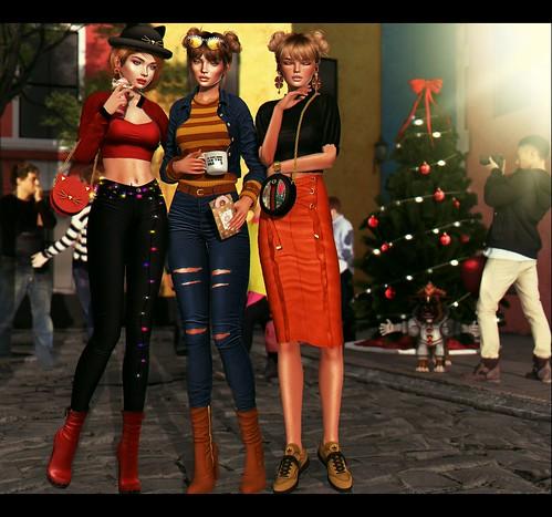 LOOK-1032:Ammy, Jú and Kiara began preparations for Christmas on the street where they live 🔔👢👗💋💋