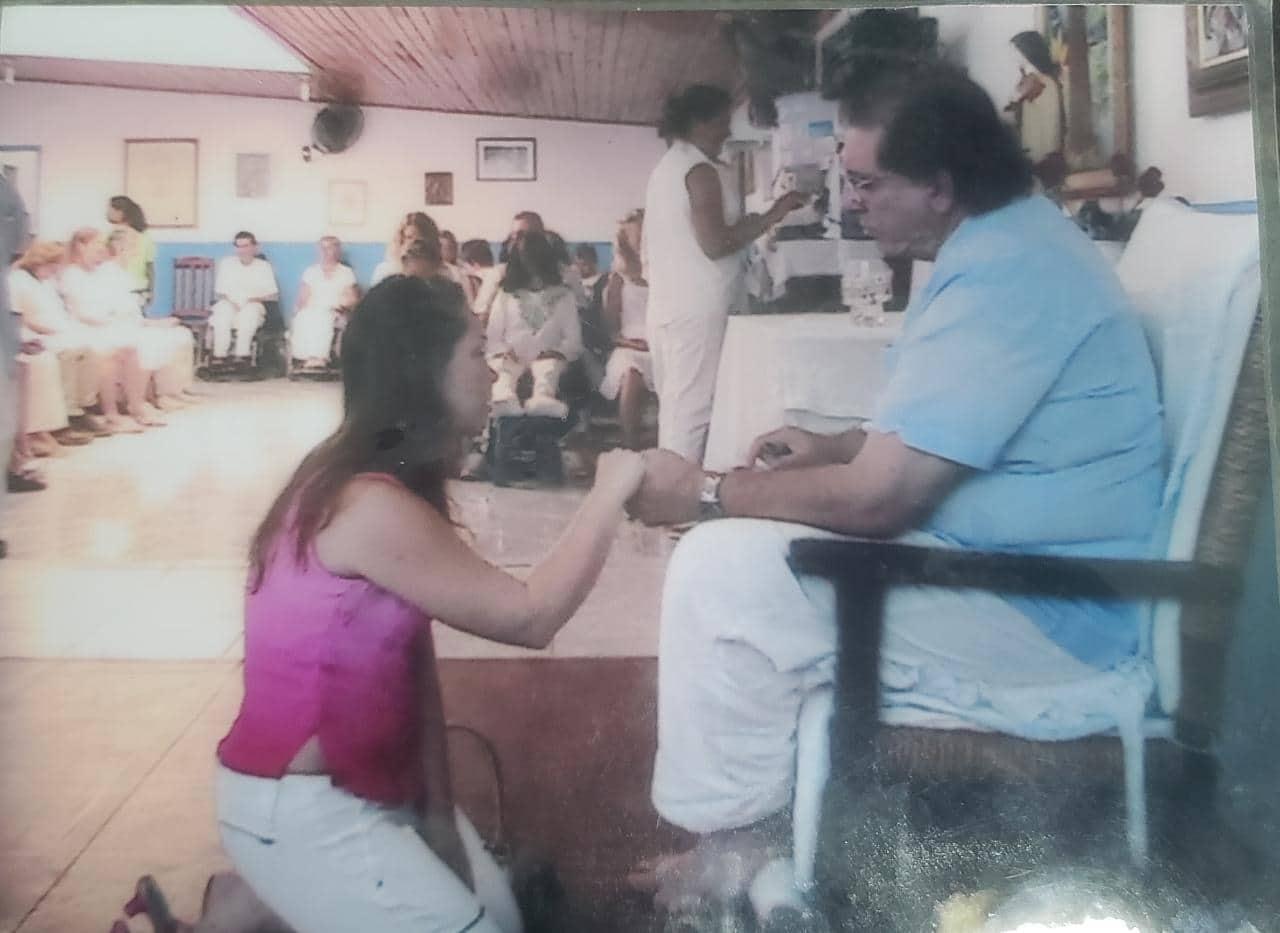 Ana Paula sofreu abusos constantes nos sete meses em que morou em Abadiânia para acompanhar o pai durante um tratamento espiritual com João de Deus/Foto: Arquivo pessoal