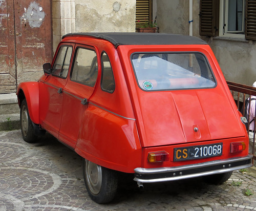 Cetraro - Classic Citroen Dyane from the 1970s